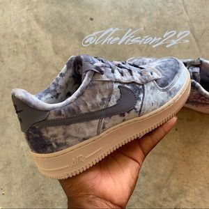 Nike Air Force 1 LV8 Women Sz. 8